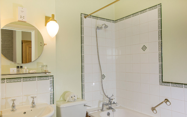 On-suite bathrooms and accessories